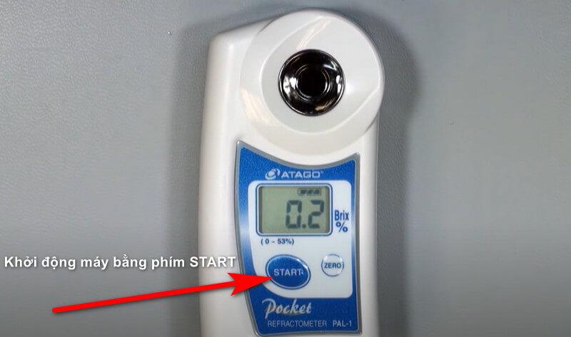 Nhấn START để khởi động máy đo độ brix